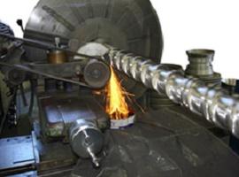 Recondicionamento de cilindros de extrusora - Minematsu